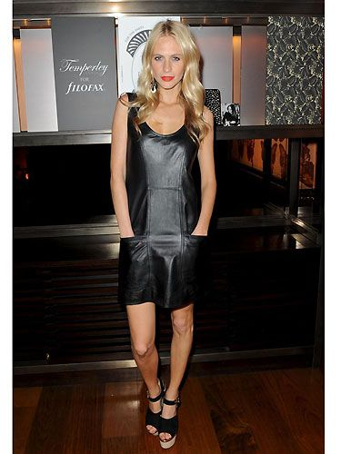 <p>Sigh...Poppy Poppy Delevingne is a true beauty! Here she was at the Temperley London for Filofax party - wearing a leather frock with the cutest chunky heels - we LOVE! Eyeing up the uber-cute stationary, the model clutched her Ciroc Vodka cocktail and danced to party tunes - oh to have the life of a gorgeous model</p>