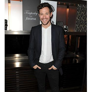 Will Young has grown into a rather handsome lad - check out his beard action! He wore white socks with black shoes and STILL managed to look cool at Temperley London's Filofax party - beat that! Will spent the night talking with friends and sipping gorgeous Ciroc Vodka cocktails - yummy!
