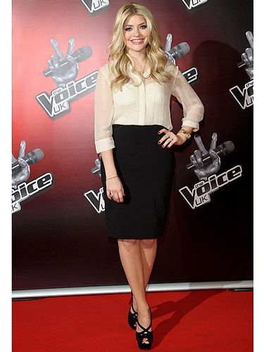 <p>Holly Willoughby looked so uber-chic at the photocall for The Voice. Are you as excited as we are? We can't wait to see what Holly wears each week - bring it on!</p>