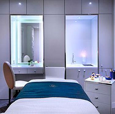 <p><strong>Where: </strong>Edinburgh<strong><br />What: </strong>Champagne Spa Day including a massage at The Caledonian, £65.<strong><br />Why:</strong> With this deal your mum can enjoy the brand-new Guerlain Spa at the revamped Caledonian Waldorf Astoria in Edinburgh. The offer includes a choice of hour-long treatment, access to the luxurious spa facilities and a glass of champagne.</p>