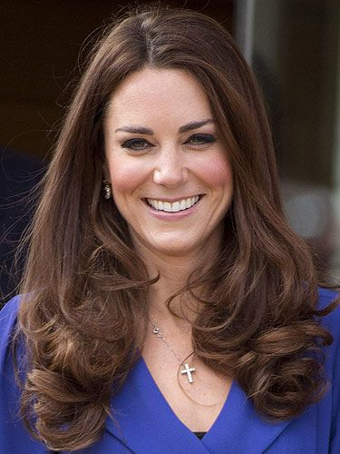 <p>When Kate Middleton turned up to The Treehouse Hospice, people were either gossiping about her recycled frock, or her public speaking skills. We noticed both (of course!) but we were still desperate to find out how she managed to get her hair so damn perfect - as per usual!</p>