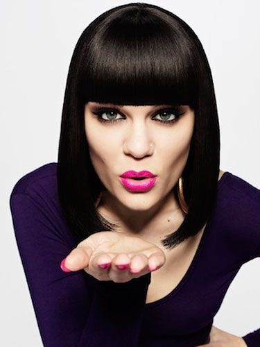 """<p><strong>14 - 20 May</strong></p> <p>Music is GREAT Week begins on Monday 14 May and to help kick off celebrations, Jessie J will play a one-off intimate show at HMV, Oxford Circus. <br /><br />What's more Spice Girl Melanie C will introduce the singer onto the stage! The Spice Girls performance at The BRIT Awards in 1997 was shortlisted to appear on 'Music is GREAT Britain', a DVD and download of iconic live moments, also released on the 14th<br /><br />The performance is part of HMV's partnership with Music is GREAT which also extends to a national poll to establish the greatest album and film of the past six decades, marking the Queen's Diamond Jubilee.<br /><br />Admittance to the performance is on a first come first served basis at the store. For more information head to the <a href=""""http://www.facebook.com/MusicisGREATBritain"""" target=""""_blank"""">Facebook page.</a></p>"""