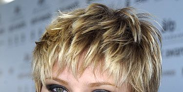 <p>Nooo, Scarlett, what were you thinking? Miss Johansson sported this strange 'mumsy' hairstyle during The 18th Annual IFP Independent Spirit Awards back in 2003. Perhaps she wore a bright pink top to detract from the bizarre mullet hairstyle - ScarJo, it didn't work!</p>