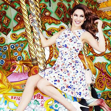 """<p>Kelly Brook presents her new clothing range for <a title=""""http://www.newlook.com/shop/womens/kelly-brook_2000005?intcam=INT-2012-13-WK10-HOME-ZBck-002"""" href=""""http://www.newlook.com/shop/womens/kelly-brook_2000005?intcam=INT-2012-13-WK10-HOME-ZBck-002"""" target=""""_blank"""">New Look </a>making your wardrobe a summer hotspot!</p>"""