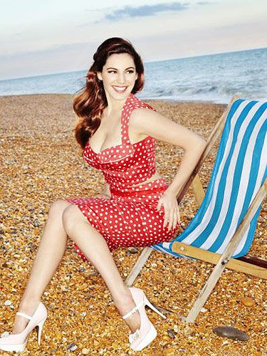 "<p>Kelly Brook presents her new clothing range for <a title=""http://www.newlook.com/shop/womens/kelly-brook_2000005?intcam=INT-2012-13-WK10-HOME-ZBck-002"" href=""http://www.newlook.com/shop/womens/kelly-brook_2000005?intcam=INT-2012-13-WK10-HOME-ZBck-002"" target=""_blank"">New Look</a> making your wardrobe a summer hotspot!</p> <p> </p>"