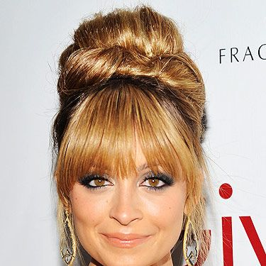 <p>Woah, Nicole Richie's hairstyle means serious business. The American starlet has mastered this ladylike hairstyle to perfection. Thanks to Kate Middleton, the celebs across the pond are recognising Royal hairstyle looks</p>