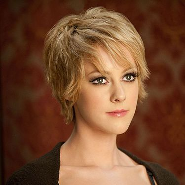 <p>The Hollywood Reporter has announced that Jena Malone, famed for her role as feisty dancing girl Rocket in 'Sucker Punch', is in early negotiations for the role of Johanna Mason in 'Catching Fire'. Fans of the books will be well aware of the fact that Johanna is a force to be reckoned with&#x3B; deadly and beautiful, she is first introduced to Katniss (Jennifer Lawrence) and Peeta (Josh Hutcherson) completely naked.</p>