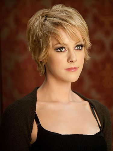 <p>The Hollywood Reporter has announced that Jena Malone, famed for her role as feisty dancing girl Rocket in 'Sucker Punch', is in early negotiations for the role of Johanna Mason in 'Catching Fire'. Fans of the books will be well aware of the fact that Johanna is a force to be reckoned with; deadly and beautiful, she is first introduced to Katniss (Jennifer Lawrence) and Peeta (Josh Hutcherson) completely naked.</p> <p>Is Jena Malone up to the task?</p>