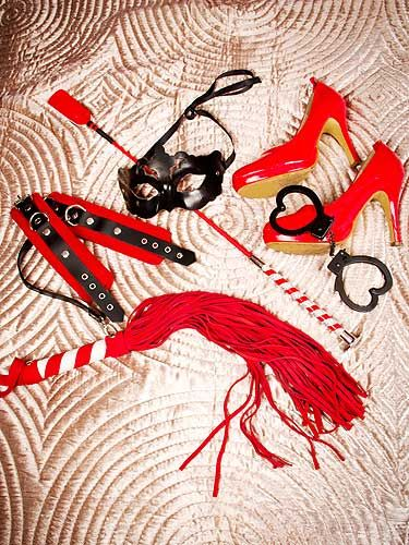 "<p>How 50 Shades is your sex life? Three couples let Cosmo in to their sex lives, and you won't believe what goes on behind closed doors! Plus, get your beginner's guide to bondage! All this is on page 170</p> <p><a title=""http://www.cosmopolitan.co.uk/men/cosmo-100-sexiest-men/celebrity-men-looking-sexy-in-suits"" href=""http://www.cosmopolitan.co.uk/men/cosmo-100-sexiest-men/celebrity-men-looking-sexy-in-suits"" target=""_self"">WHO IS YOUR CHRISTIAN GREY, HEY?</a></p>"