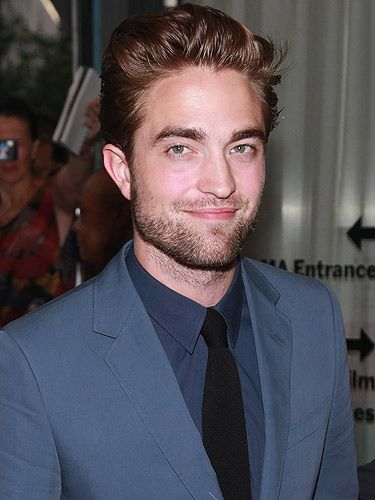 <p>Phwoar! Look at Robert Pattinson looking fit in his Gucci Cruise 2013 suit at the New York premiere of Cosmopolis. We think he looks absolutely scrummy. And if you've seen clips of his first interview post KStew-split, you'll want to take him in your arms and give him a massive hug. Come 'ere Rob... </p>