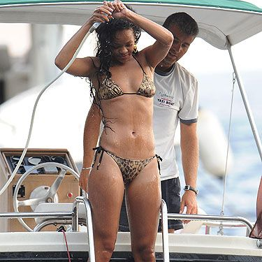 <p>Taking a break from her hectic schedule, Rihanna has popped herself onto a luxury boat to enjoy some sun while flaunting a mega hot bod. All that dancing seems to be paying off! Although, we wouldn't mind seeing the return of some Rihanna curves...</p>