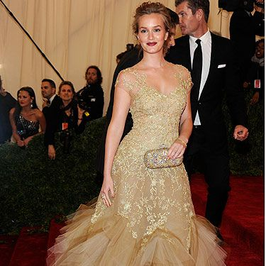 <p>What's this, Leighton Meester getting back to her blonde roots? Say it ain't so. But moving on from the hair, let's talk Met Ball Gala frocks. We're very much feeling Leighton's Marchesa gown with it's mega tulle accents - it's a good look for the Gossip Girl star</p>