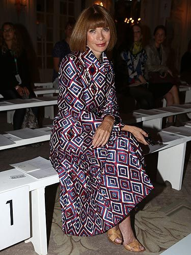 <p>As London Fashion Week came to an end, we caught up with Anna Wintour front row at the Roksanda Ilincic show. She wore a full length diamond printed dress, nude shoes and her trademark black sunglasses stashed in her handbag.</p>