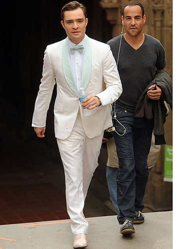 <p>Right, if Chuck Bass were to get married, what would he wear? We wouldn't have predicted a white suit, but hey, by the looks of this picture from the series six finale of Gossip Girl, it appears so. We think he looks a bit of all-white - as always.</p>