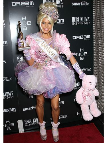 Dressed as a err, a beauty pageant? Fergie still managed to look quite scary in her weird and wonderful way