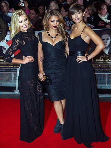<p>Three of The Saturdays went full-on goth last night as they got into the spirit of things at the Breaking Dawn Part 2 premiere.</p> <p>With lashings of black lace and dark vampy makeup, we feel like we're watching a scene from ace 90s gothic chic flick The Craft! (This is a good thing).</p>