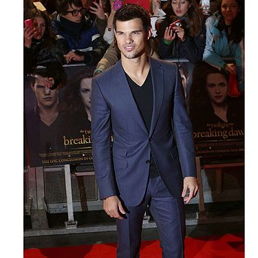<p>Hot man alert! Suited and booted, Taylor Lautner couldn't look more smokin' at the UK premiere of Breaking Dawn Part 2. We're going to miss those topless scenes that's for sure!</p>