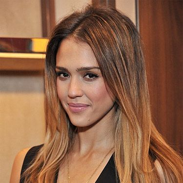 <p>Ombré is back! Actress Jessica Alba just stepped out with blonde dip-dyed tips at the launch of Salvatore Ferragamo in London. She parted her hair down the center and kept her makeup natural to showcase this awesome hairstyle.</p>