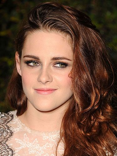 "<p>Having a winter wedding? Channel Twilight star Kristen Stewart's glistening skin on your special day.</p> <p>To get the look, mix <a href=""http://stila.co.uk/collections/face/products/all-over-shimmer-luminiser-kitten-shimmer"" target=""_blank"">Stila All Over Shimmer Luminiser</a> with your foundation for an all-over glow. You can even add this to your body lotion too!</p>"