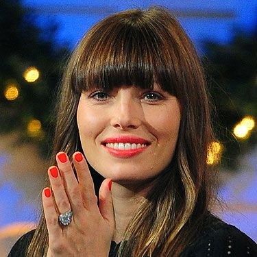 <p>Newly-wed Jessica Biel's definitely getting some style tips from hubby Justin Timberlake. Forget the pale pinks and nudes, go for a super bright beauty look this winter.</p>