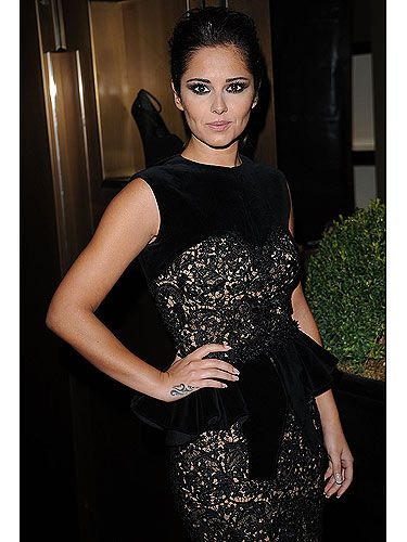 163f318fb0cf9 You can always count on Cheryl Cole as a style icon. She rocked her black
