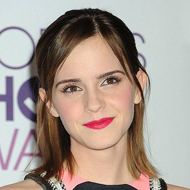 <p>Emma Watson's growing her hair! She flaunted a choppy bob hairstyle as she received the award for Favourite Dramatic Movie Actress at the 2013 People's Choice Awards. Paired with a poppy punch of bright pink lips, she's totally setting the trend for spring beauty.</p>