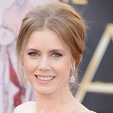 <p>The talented Amy Adams looked simply fabulous (as usual) in her sophisticated updo hairstyle at the 2013 Oscars. Up for the award of Best Supporting Actress in The Master, the actress showed off her her winning look in this centre-parted high bouffant hairstyle.</p>