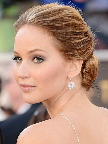 "<p>Actress Jennifer Lawrence looked fantastic in that messy updo hairstyle at the 2013 Academy Awards. The Silverlinings Playbook star opted for a very soft, bridal-inspired beauty look with those pretty pink lips and cheeks. We're totally voting on Jennifer to take home the award for Best Actress! *fingers crossed*</p> <p> </p> <p><a title=""http://www.cosmopolitan.co.uk/beauty-hair/news/styles/oscars-2013-celebrity-hair-trends"" href=""http://www.cosmopolitan.co.uk/beauty-hair/news/styles/oscars-2013-celebrity-hair-trends"" target=""_self"">SEE THE OSCARS 2013 HAIR TRENDS</a></p>"