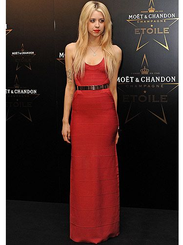 Red dress images 30