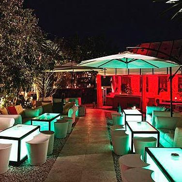 "<p>A Moroccan-themed outdoor bar and restaurant situated five km out of Ibiza Town on the San Jose Road. <a href=""http://www.km5-lounge.com/"" target=""_blank"">KM5 Lounge</a> is where you'll find the island's top DJ's hanging out before their sets. Great music, great cocktails and a seriously stylish crowd.</p>"