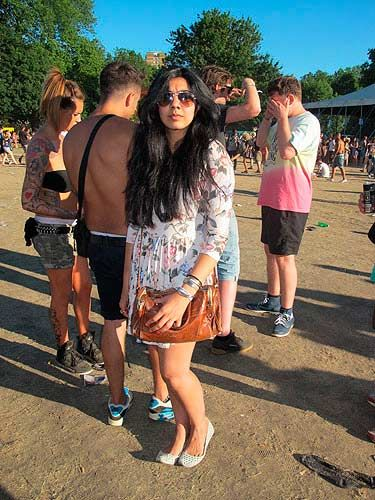 <p>Ravneet Channa rocks a Carven inspired floral dress with Zara flats and a vintage handbag. Loving the oversized aviators too Rav!</p>