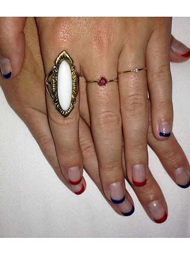 <p>As well as cuddling up to her beau, Katy Perry also got her nails did for the 4th July weekend celebrations. We've got to say, the nails are pretty tame for KPez, she usually goes all out with crazy pictures but this is just a quick file and paint job, topped off with red and blue tips. We like it, though!</p>