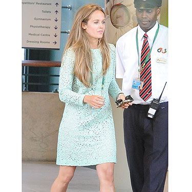 <p>Knowing that all eyes would be on her if her boyfriend bagged the men's title at Wimbledon, Kim looked mint (geddit?) on Sunday.</p><p>Wearing a pale green £900 broderie anglaise dress by Victoria Beckham, teamed with her trusty Aldo wedges, Kim looked delightful - no mean feat in the sweltering heat.</p><p>A winning look - and the ideal accompaniment to Andy Murray's EPIC Wimbledon win. Whoop!</p>