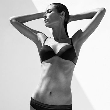 <p>The Calvin Klein Underwear model, mum, marathoner and yogi, reveals her routine:</p>