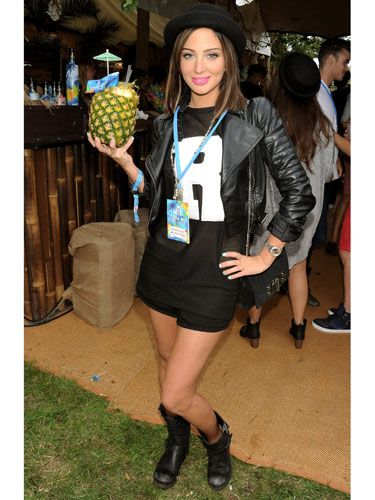 <p>Talk about an image overhaul! Tulisa chose the Mahiki Coconut Backstage Bar as the spot to debut her newly shortened locks and we like it! To keep her look suitably rock chick she opted for an all black look with festival-ready biker boots and hat.</p>