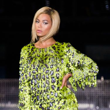 <p>V's headliner Beyonce ensured all eyes were on her as she officially unveiled her new bob on Saturday evening and to complement the look she wore a total of seven outfits as she stormed the stage with one hit song after another.</p>
