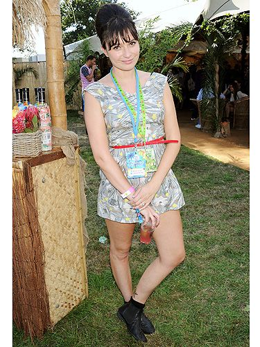 <p>Gizzi Erksine is not only a master chef but she's got festival fashion sussed, too! With her trademark beehive in place, the celeb chef paired her vintage playsuit with black Chelsea boots and oozed festi-cool.</p>