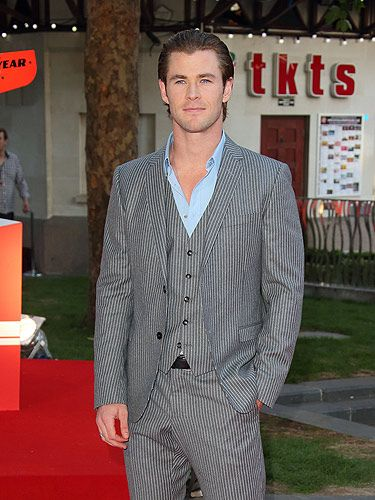 "<p>Chris Hemsworth was looking every inch the leading man as he made his way down the red carpet in London's Leicester Square</p> <p><a href=""http://www.cosmopolitan.co.uk/celebs/entertainment/olivia-wilde-chris-hemsworth-rush"" target=""_blank"">OLIVIA WILDE TALKS TO COSMO ABOUT CHRIS HEMSWORTH</a></p> <p><a href=""http://www.cosmopolitan.co.uk/celebs/entertainment/actors-with-or-without-beards"" target=""_blank"">HOLLYWOOD HUNKS - BEARD OR NO BEARD?</a></p> <p><a href=""http://www.cosmopolitan.co.uk/celebs/entertainment/"" target=""_blank"">SEE MORE ENTERTAINMENT NEWS HERE</a></p>"