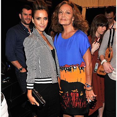 <p>Even though this pic is technically backstage and not Frow, it's a goody! Jessica Alba cosies up to legendary fashion designer Diane Von Furstenberg pre show at New York Fashion Week.</p>
