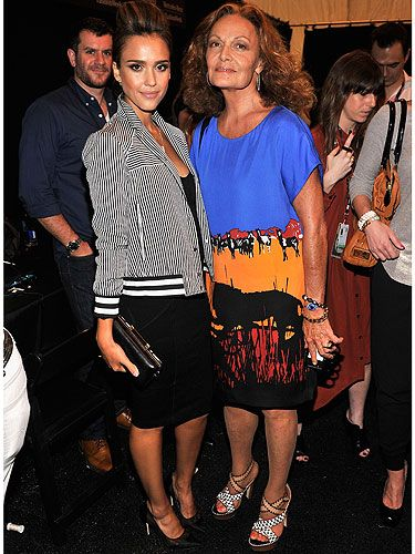 "<p>Even though this pic is technically backstage and not Frow, it's a goody! Jessica Alba cosies up to legendary fashion designer Diane Von Furstenberg pre show at New York Fashion Week.</p> <p><a href=""http://www.cosmopolitan.co.uk/fashion/news/victoria-beckham-nyfw-show-2013"" target=""_blank"">SEE VICTORIA BECKHAM'S SS14 COLLECTION</a></p> <p><a href=""http://www.cosmopolitan.co.uk/fashion/Fashion-week/fashion-week-daily-live-streams"" target=""_blank"">WATCH: NEW YORK FASHION WEEK LIVE</a></p> <p><a href=""http://www.cosmopolitan.co.uk/fashion/shopping/the-fashion-fix-shop-bargain-buys"" target=""_blank"">SHOP: FASHION BUYS FOR £10 OR LESS</a></p>"