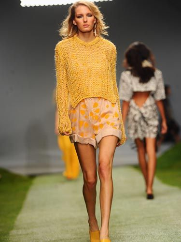 <p>Mustard yellows and chiffons make for a perfect spring/summer look.</p>