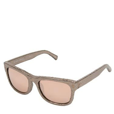 """<p>Protect those peepers with these super luxe sunglasses. With gold-tone snakeskin effect leather and mirrored lenses will mean you can peek at hotties in style.</p><p>Sunglasses, £676.92, Linda Farrow Luxe at <a href=""""http://www.farfetch.com/shopping/women/linda-farrow-luxe-snakeskin-effect-sunglasses-item-10512244.aspx?storeid=9089"""" target=""""_blank"""">Farfetch</a></p><p> </p>"""