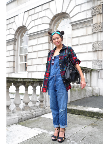 """<p>Fashionista at Somerset House - by <a href=""""http://www.facehunter.org/"""" target=""""_blank"""">Face Hunter</a>.</p> <p>Internationally acclaimed fashion photographer and cult blogger, Face Hunter, is working with Timex to capture the story of London Fashion Week in pictures. Check out his photos at www.timexstyleofthetimes.com or to feature in the Style of the Times gallery, tweet them to <a href=""""https://twitter.com/TimexUK"""" target=""""_blank"""">@TimexUK</a> with #timexstyle.<strong><br /></strong></p> <p><a href=""""http://www.cosmopolitan.co.uk/fashion/Fashion-week/london-fashion-week-live-stream"""">WATCH: LIVE STREAM LFW SPRING 2014 </a></p> <p><a href=""""http://www.cosmopolitan.co.uk/fashion/shopping/cool-street-style-at-london-fashion-week"""">LONDON FASHION WEEK STREET STYLE</a></p> <p><a href=""""http://www.cosmopolitan.co.uk/fashion/fashion-week-2013/"""" target=""""_blank"""">GET THE LATEST LONDON FASHION WEEK NEWS</a></p>"""