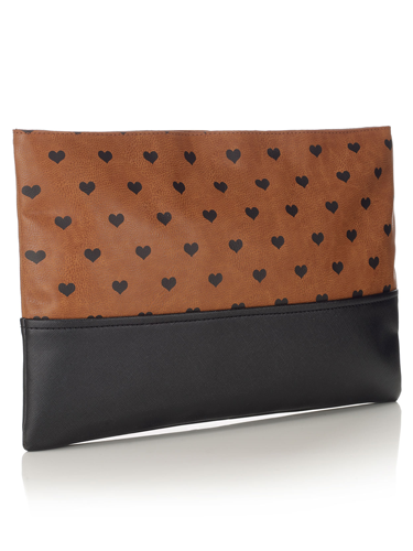 "<p>Inspired by Burberry, we totally heart this oversized clutch.</p> <p>Heart print clutch, £19, <a href=""http://uk.accessorize.com/view/product/uk_catalog/acc_1,acc_1.1/4892262200?pageSize=&showAll=true"" target=""_blank"">accessorize.com</a></p>"