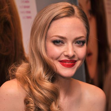 """<p>Channelling classic Hollywood, Amanda Seyfried's low and loose ringlet curls make the perfect accessory to her strapless dress.</p><p><a href=""""http://www.cosmopolitan.co.uk/beauty-hair/styles/celebrity/cosmo-hairstyle-of-the-day"""" target=""""_blank"""">HAIRSTYLE OF THE DAY</a></p><p><a href=""""http://www.cosmopolitan.co.uk/beauty-hair/news/styles/celebrity/frow-hair-celebrity-fashion-week"""" target=""""_blank"""">FRONT ROW HAIRSTYLES </a></p><p><a href=""""http://www.cosmopolitan.co.uk/beauty-hair/"""" target=""""_blank"""">MORE CELEBRITY HAIR NEWS </a></p><p> </p>"""