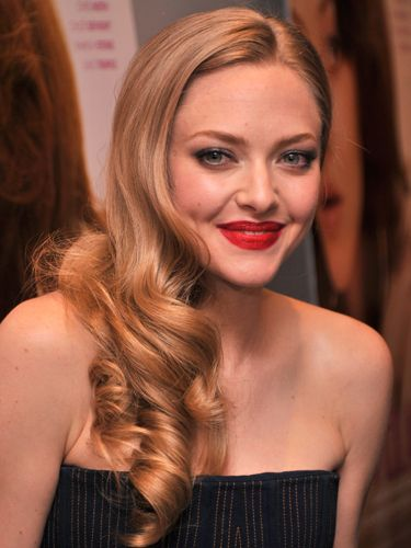 "<p>Channelling classic Hollywood, Amanda Seyfried's low and loose ringlet curls make the perfect accessory to her strapless dress.</p> <p><a href=""http://www.cosmopolitan.co.uk/beauty-hair/styles/celebrity/cosmo-hairstyle-of-the-day"" target=""_blank"">HAIRSTYLE OF THE DAY</a></p> <p><a href=""http://www.cosmopolitan.co.uk/beauty-hair/news/styles/celebrity/frow-hair-celebrity-fashion-week"" target=""_blank"">FRONT ROW HAIRSTYLES </a></p> <p><a href=""http://www.cosmopolitan.co.uk/beauty-hair/"" target=""_blank"">MORE CELEBRITY HAIR NEWS </a></p> <p> </p>"