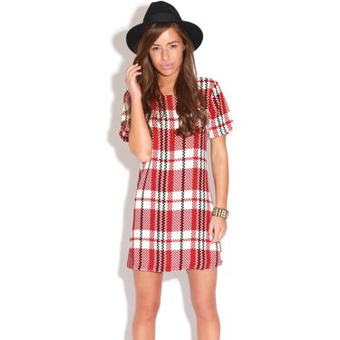 "<p>If you've been paying attention to our <a href=""http://www.cosmopolitan.co.uk/fashion/winter-fashion-trends-2013/"" target=""_blank"">winter trends advice,</a> you'll know that checks are where it's at this season. The jumbo plaid on this style looks super luxe.</p>