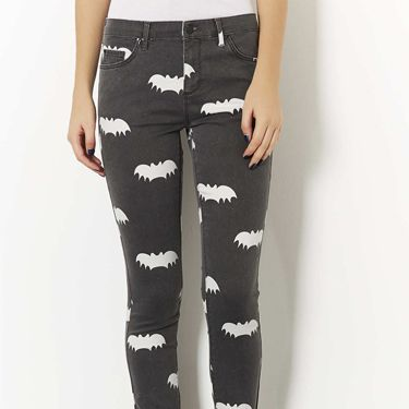 """<p>Topshop's most comfortable jeans have had a Halloween makeover in a spooky bat print - simply pair with a black lace top and some killer black heels for effortless Halloween chic.</p><p>Bat print Leigh jeans, £40, <a href=""""http://www.topshop.com/en/tsuk/product/new-in-this-week-2169932/new-in-this-week-493/moto-bat-print-leigh-jeans-2309052?bi=1&ps=200"""" target=""""_blank"""">Topshop</a></p><p><a href=""""http://www.cosmopolitan.co.uk/fashion/shopping/new-in-store-14-oct?page=1"""" target=""""_blank"""">NEW IN STORE THIS WEEK</a></p><p><a href=""""http://www.cosmopolitan.co.uk/fashion/shopping/pauls-boutique-bags-winter-2013?page=1"""" target=""""_blank"""">TEN NEW HANDBAGS FOR A/W13</a></p><p><a href=""""http://www.cosmopolitan.co.uk/fashion/news/m-and-s-best-of-british-fashion"""" target=""""_blank"""">M&S LAUNCHES BEST OF BRITISH COLLECTION</a></p>"""