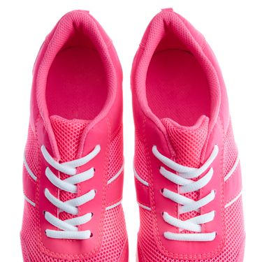 <p>Exercise your right to wear pink in the gym in these bright trainers!</p>