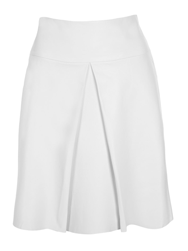<p>White skirts are great for winter, injecting some brightness into your wardrobe without appearing garish or unseasonal! </p>